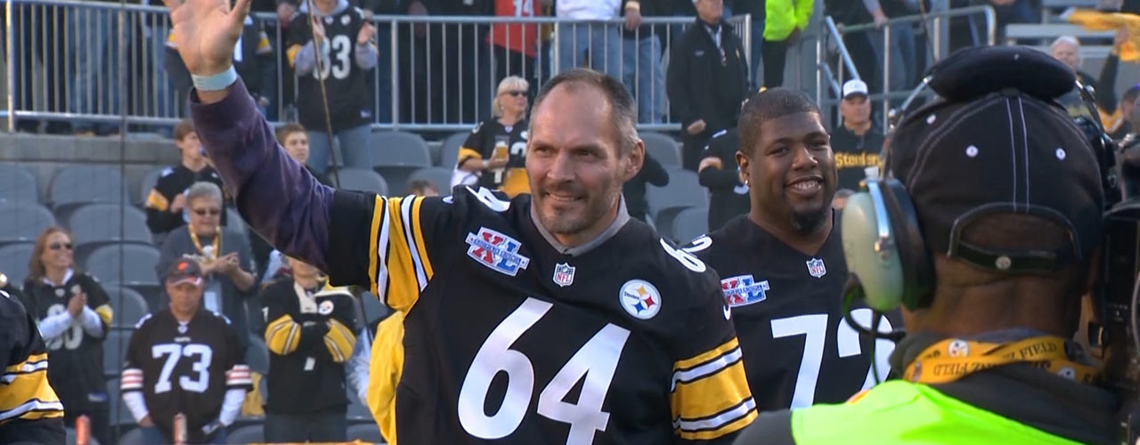 Jeff Hartings being recognized at Steelers game.
