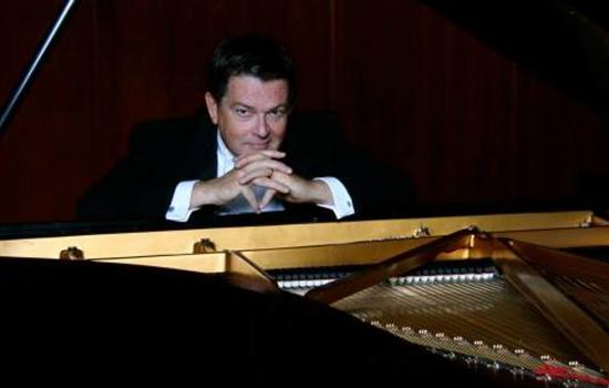Clevenger plans farewell recital