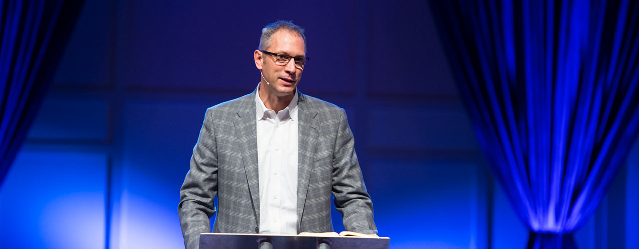 Mark Vroegop speaks in Cedarville chapel service