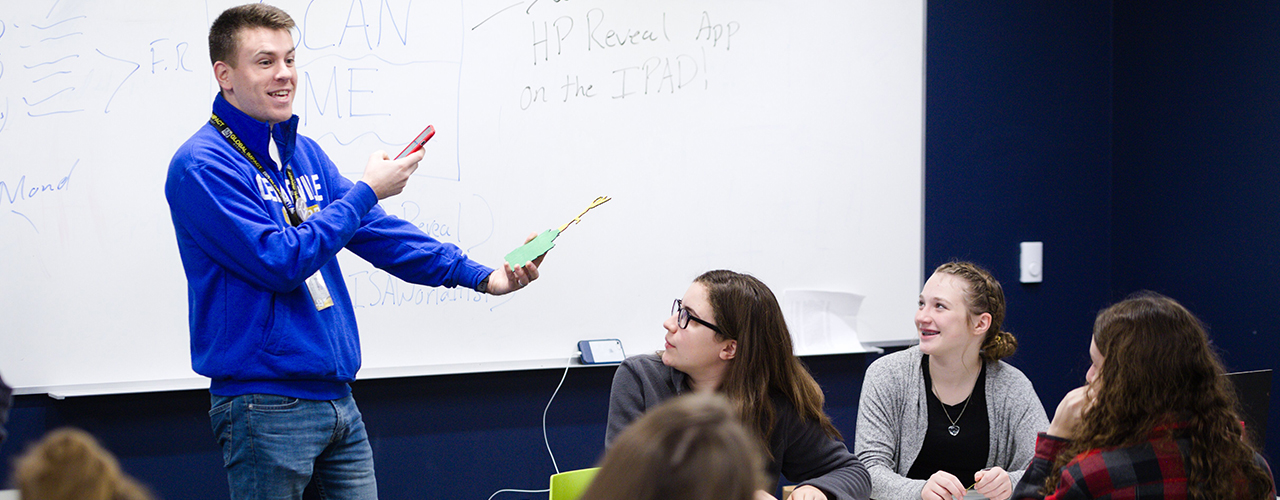 Teacher is making history come alive with HP Reveal app.
