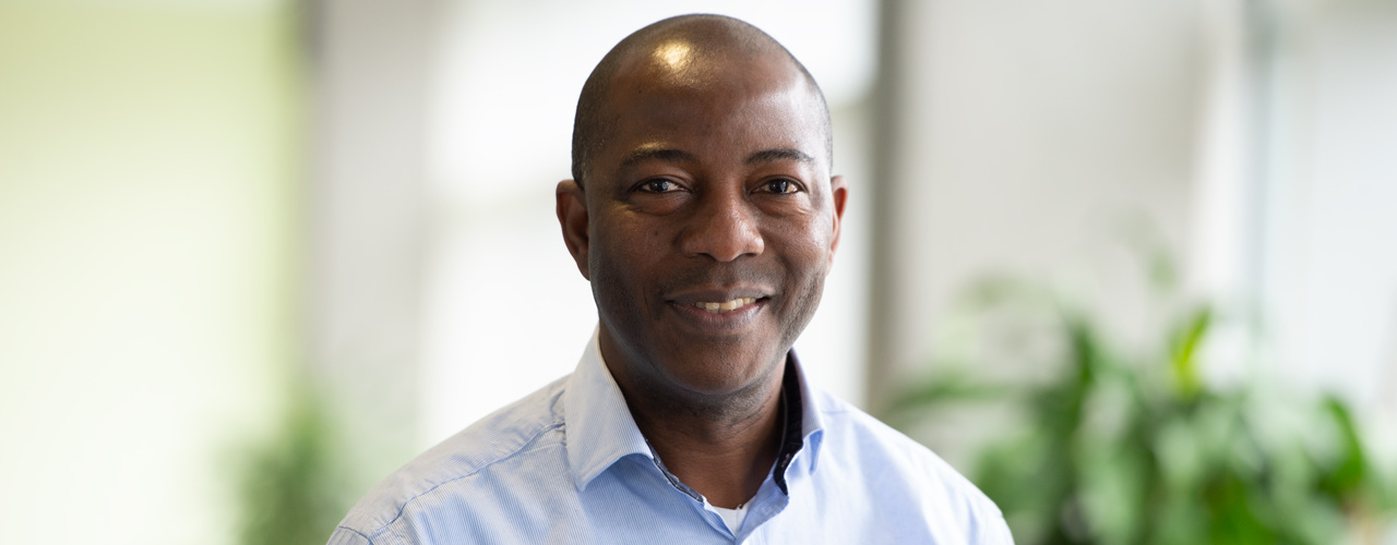 Dr. Samson Amos