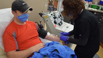 Steve Norris giving coronavirus convalescent plasma