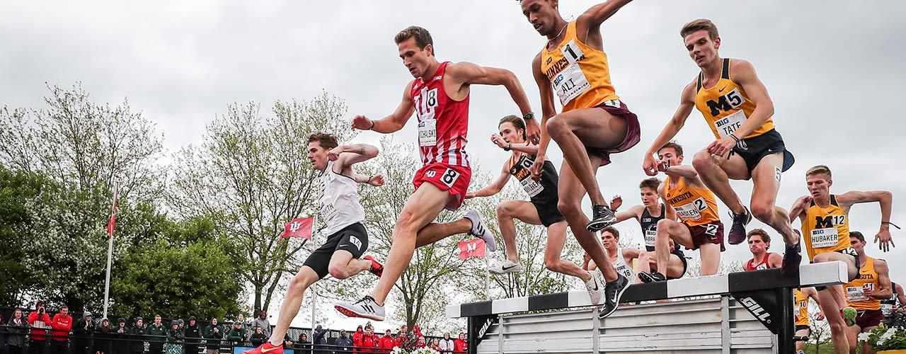 Dan Michalski competing in the 2019 Big 10 Championships