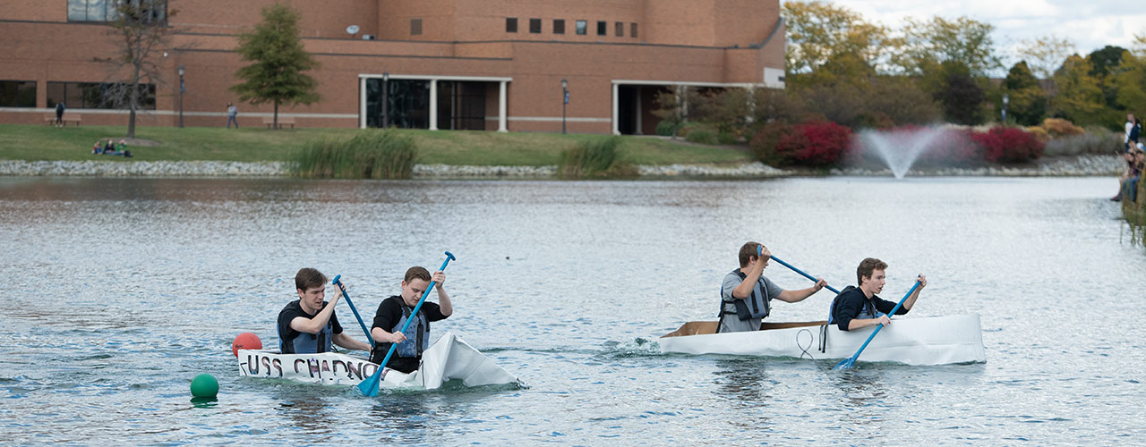 Two teams race across Cedar Lake during the 2020 contest.