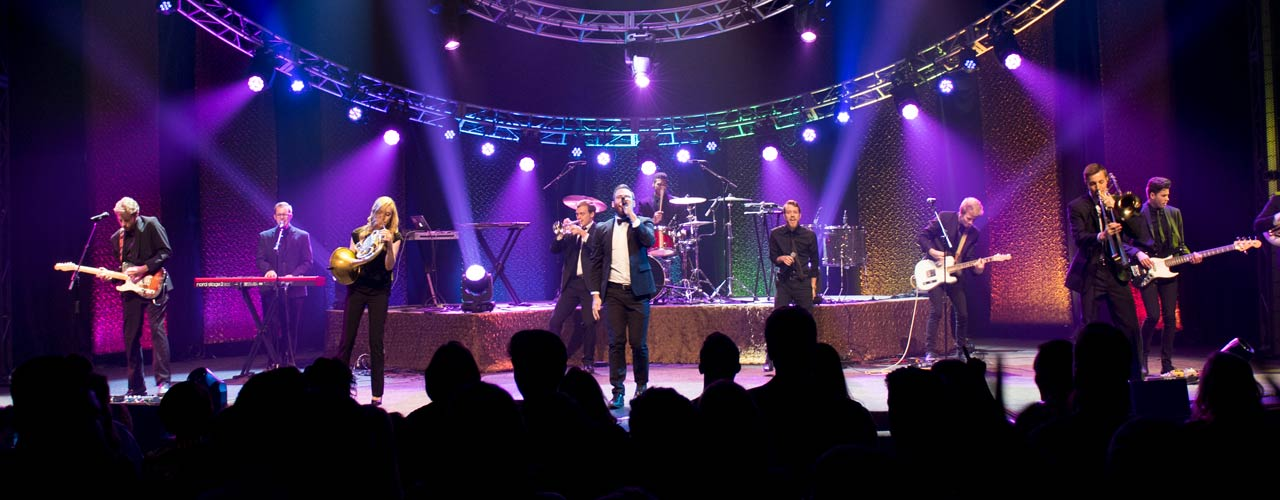 Cedarville students perform during Elliv