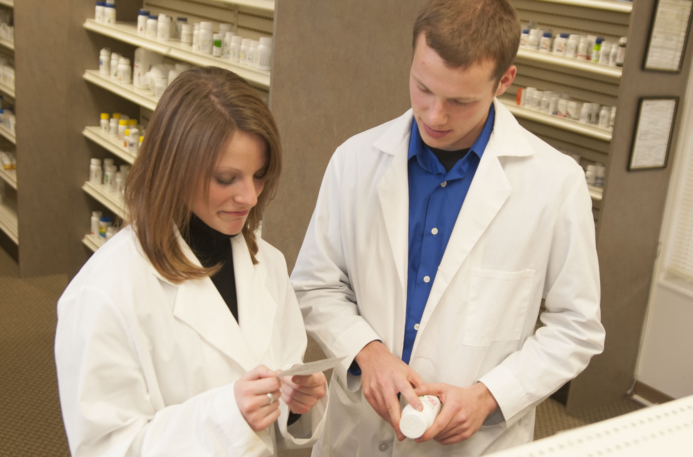 School of Pharmacy to launch prescription drug abuse educational program
