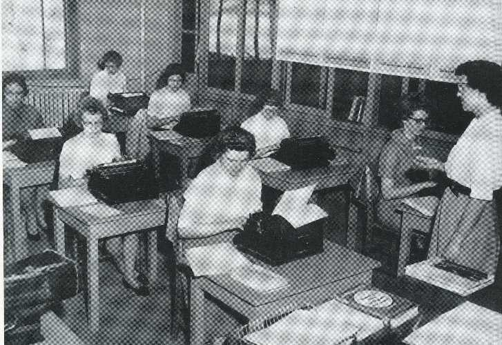 1961 typing class at Cedarville College