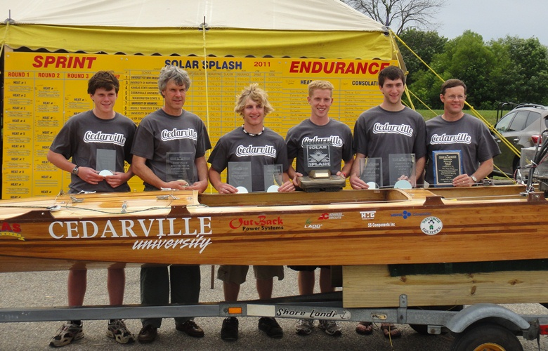 Cedarville Solar Splash 2011 Team with Solar Boat